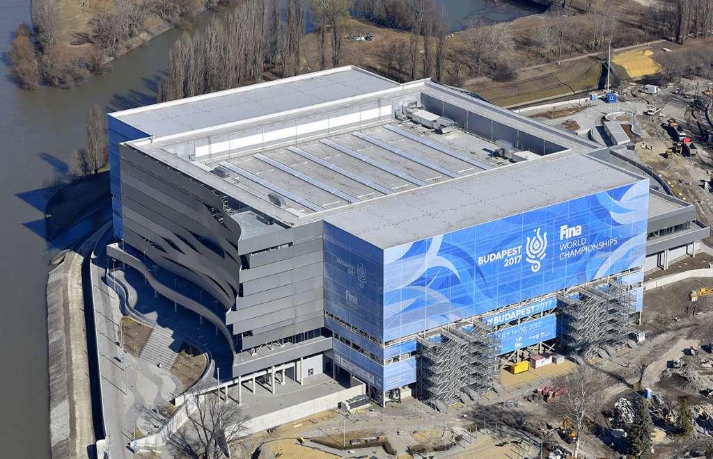 Épületháló nyomtatás teljes épület felület - Dagály Aréna